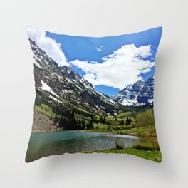 : maroon bells : Throw Pillow