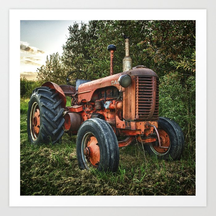 Vintage old red tractor Kunstdrucke