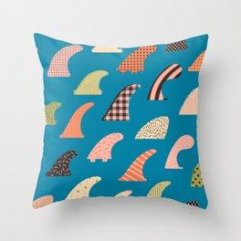 Single fin love Throw Pillow