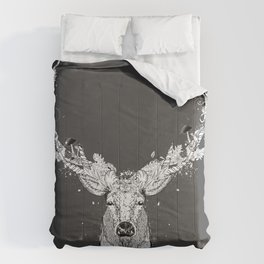 Deer with magnificent antlers and lavish ornamentation Comforters