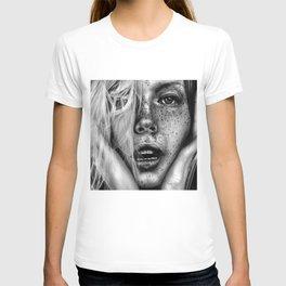 + FRECKLES + T-shirt