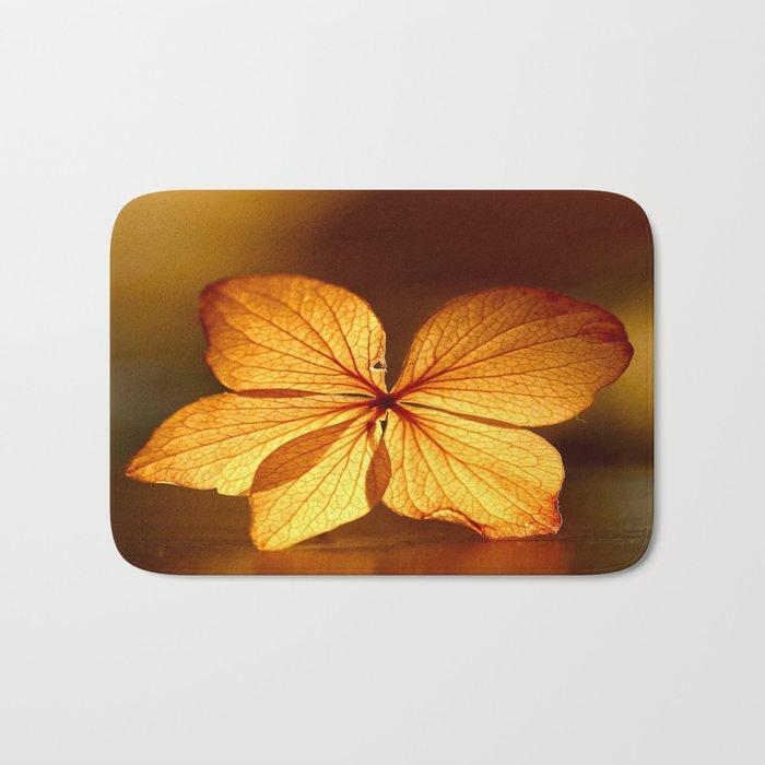 Fragile Hydrangea Flower Bath Mat