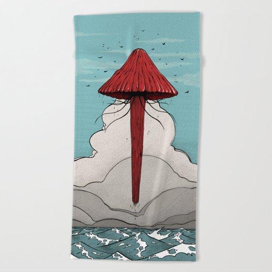Méduse volante #5 Beach Towel