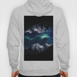 Lost in a world of dreams and mountains Hoody