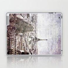 la tour eiffel {liberté Laptop & iPad Skin