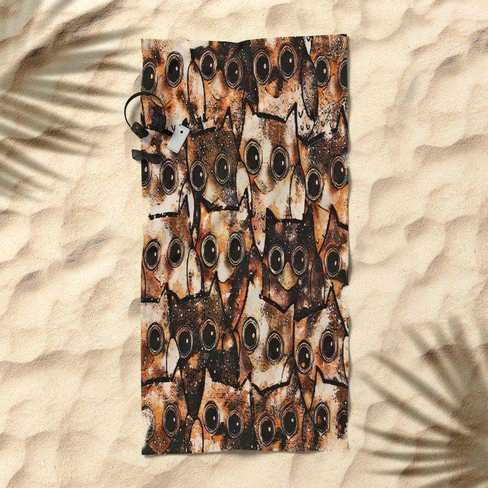 owl-14 Beach Towel