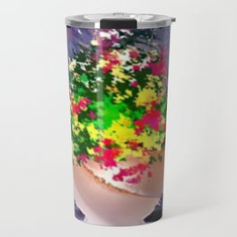 Ton und Blumen. Stilleben. Travel Mug