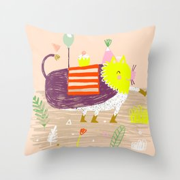 Wild party - Lion Throw Pillow
