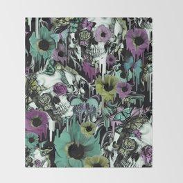 Mrs. Sandman, melting rose skull pattern Throw Blanket