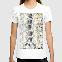 Colorful cake pops T-shirt
