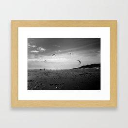 """""""KITE RAY"""" kitesurf . kite . surf Framed Art Print"""
