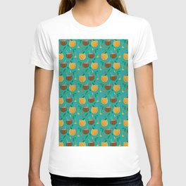 Coconut and Pineapple Tropical Pattern T-shirt