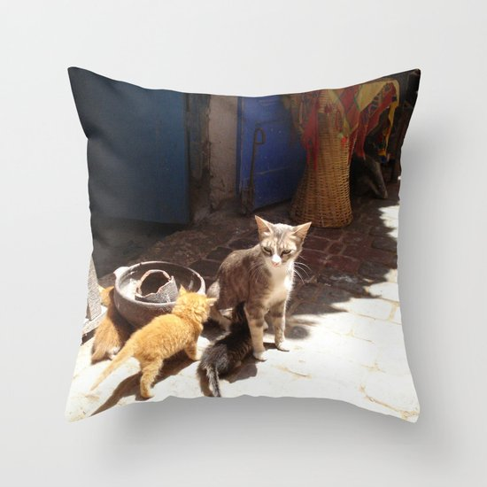 What´s the new, pussycat? Throw Pillow