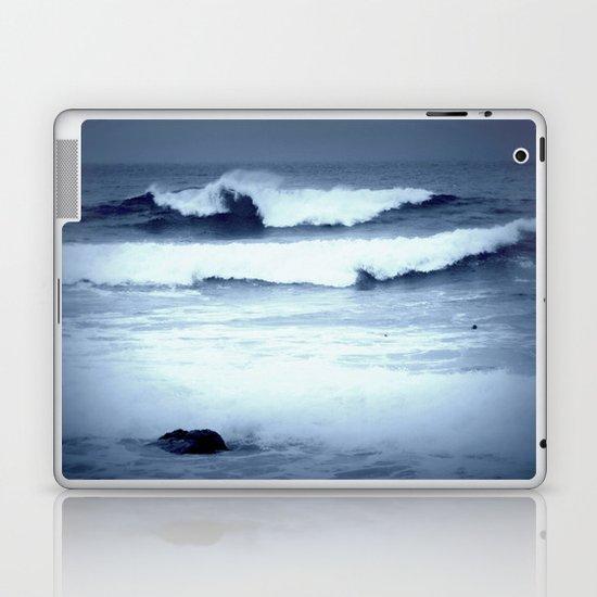 dancing waves Laptop & iPad Skin