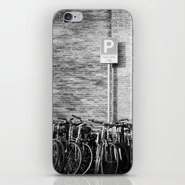 a place for my vélo a roma iPhone Skin