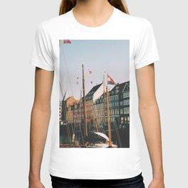Summer day in Nyhavn, Copenhagen T-shirt