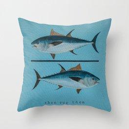 thon sur thon bleu Throw Pillow