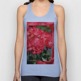 Flowerheads of red roses Unisex Tank Top