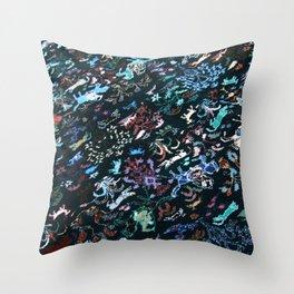 Berberian pattern Blue Throw Pillow