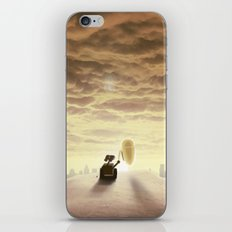 Robo-love iPhone Skin