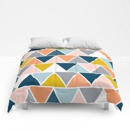 Triangulum Retreat Comforters