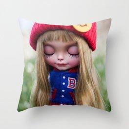 Erregiro Blythe doll Nicky Throw Pillow