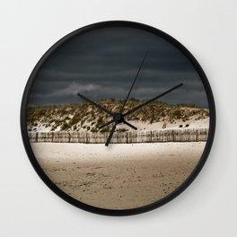 dune et orage Wall Clock