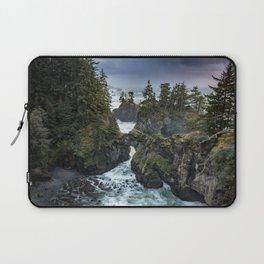 Oregon's Natural Bridges at sunset Laptop Sleeve