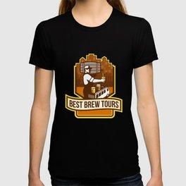 Bartender Pouring Beer Keg Cityscape Crest Retro T-shirt