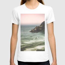 Pacific Northwest Grandeur - Heceda Lighthouse T-shirt
