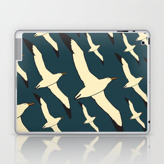 flying seagulf Laptop & iPad Skin