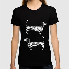 Skeleton Dachshund, it`s halloween! T-shirt