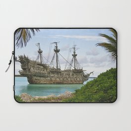 Pirate ship in the Caribbean Laptop Sleeve