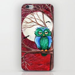 Hoo needs sleep iPhone Skin