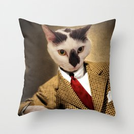Boo conquers Hollywood - Cat Portrait Throw Pillow