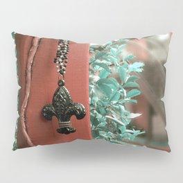 The Fleur- de- Lis Pillow Sham