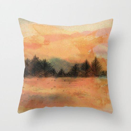 Horizonte distante Throw Pillow