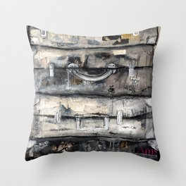 vieille valise Throw Pillow