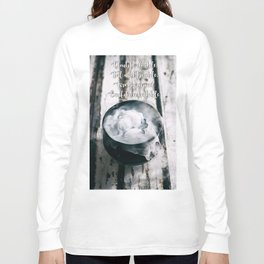 Halloween: Bubbling Witch's Cauldron Filled With Magical Potion On Weathered Wood Long Sleeve T-shirt