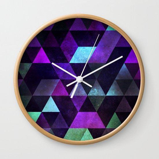 dyrk tyme Wall Clock