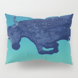 The flying bull Pillow Sham