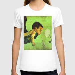 BEE tween worlds - infinity T-shirt