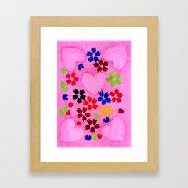 Pétales de coeurs Framed Art Print