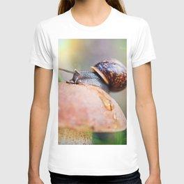 Macro world T-shirt