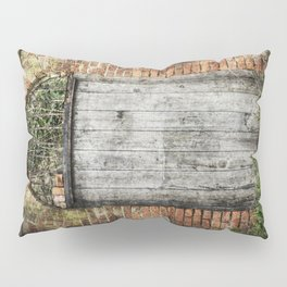 Old doorway Pillow Sham