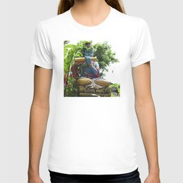 Blue Balinese Buddhist Statue in Garden T-shirt