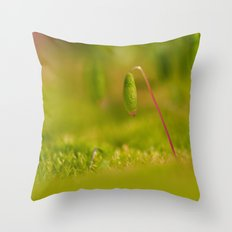Moss germ, Alone in a green Land Throw Pillow