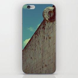 Juego de Pelota (2) iPhone Skin