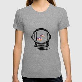 Astronaut Helmet Aquarium T Shirt Fish Tank Clownfish Gift T-shirt