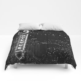 holiday in the city Comforters